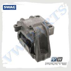 Опора двигателя правая SWAG 32923020