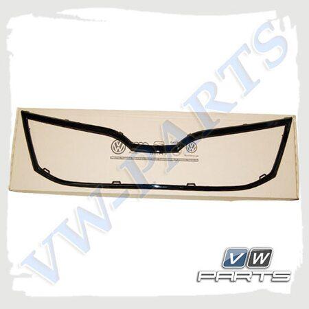 Накладка решетки радиатора черная VAG 5E0853761E041