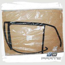Направляющая стекла задняя правая сторона VAG 5K6839432E5AP