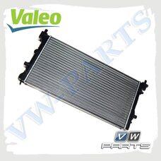Радиатор системы охлаждения VALEO 701522