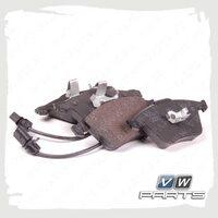 Колодки тормозные передние VAG 8E0698151G