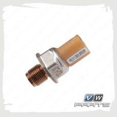 Датчик давления топлива VAG 03L906054A