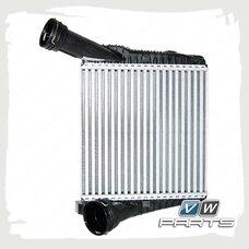 Охладитель наддува воздуха интеркулер правый VAG 7P0145804A